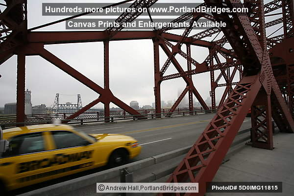 Broadway Bridge, Taxi, Portland