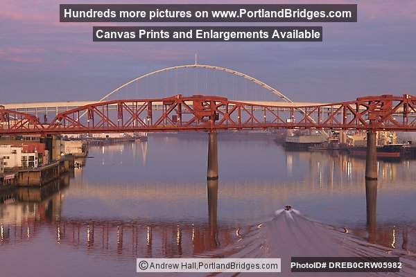 Broadway Bridge, Fremont Bridge, Willamette River, Speed Boat