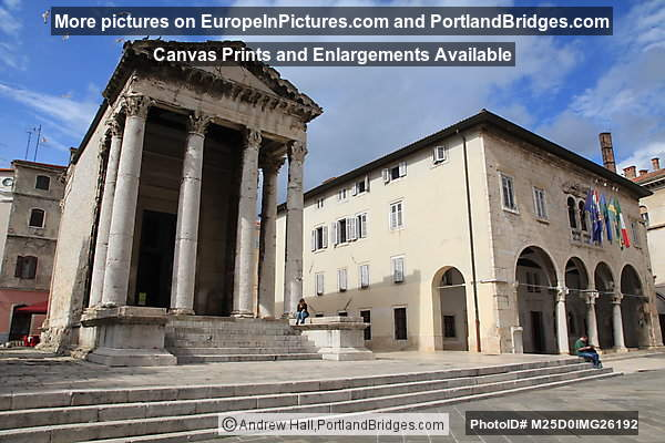 Temple of Augustus, Roman Forum, Pula