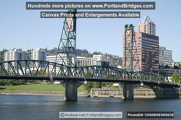 Hawthorne Bridge, Daytime (Portland, Oregon)