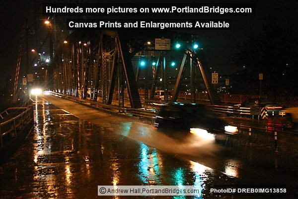 Hawthorne Bridge, Rush Hour, Rain (Portland, Oregon)