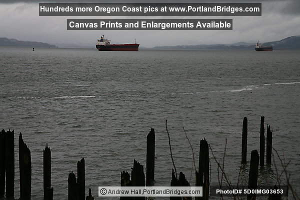 Astoria, Oregon Waterfront: Columbia River, Tankers