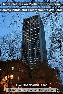 Wells Fargo Tower, Portland, Dusk