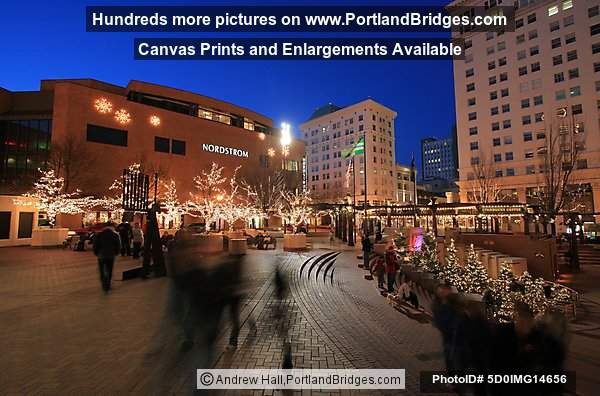 Pioneer Courthouse Square, Portland, Christmas