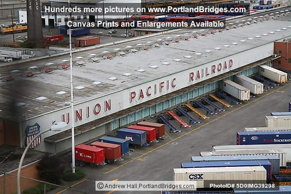 Union Pacific Railroad Depot, North Portland Photo 5D0IMG39298