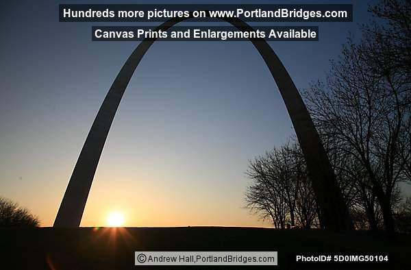 St. Louis Gateway Arch, Sunrise