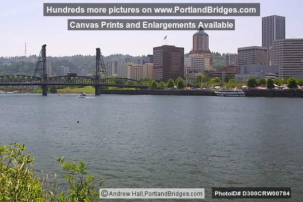 Willamette River, Hawthorne Bridge (Portland, Oregon)