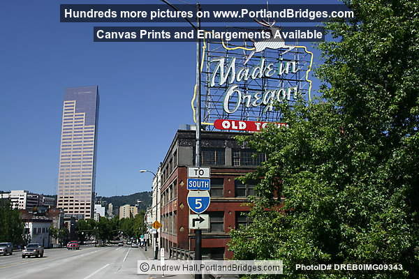 Made in Oregon Sign, US Bancorp Tower (Portland, Oregon)