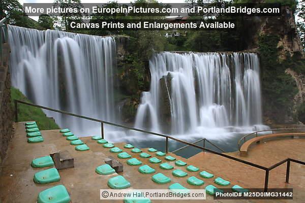 Pliva Waterfall, Outdoor Ampatheater