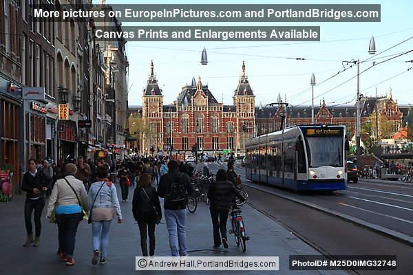 Centraal Station, Damrak, Amsterdam