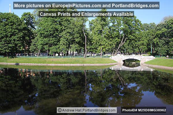 Mikhailovsky Garden, Pond, Bridge