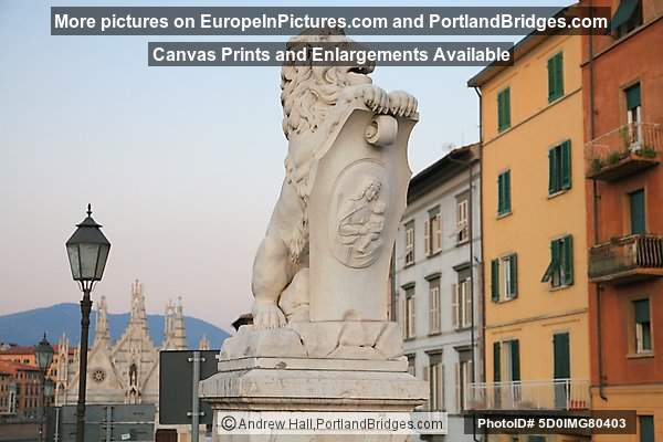 Lion Statue with Mary and Baby Jesus, near Ponte Solferino, Pisa, Italy