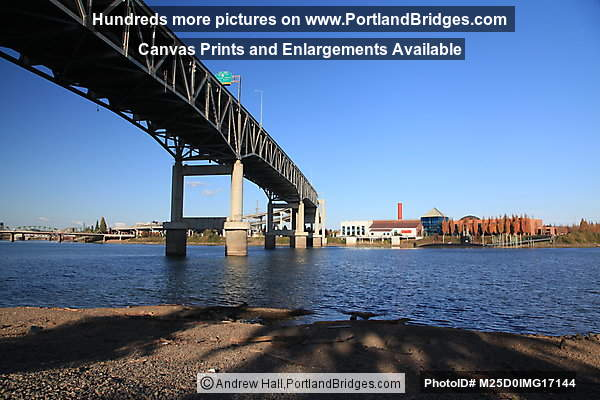 Marquam Bridge, OMSI, Willamette River (Portland, Oregon)