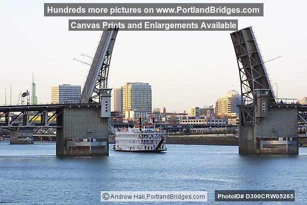 Queen of the West, Morrison Bridge, Willamette River, Portland