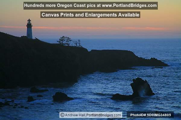 Yaquina Head Lighthouse, Dusk