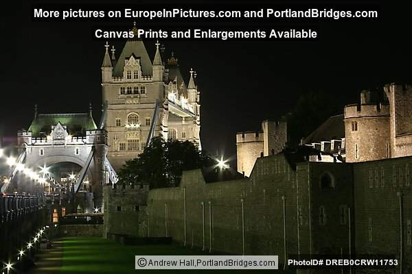 London - Tower Bridge and Tower of London