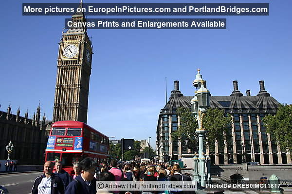 London - Big Ben and Tourists