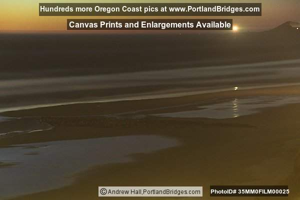 Newport, Oregon  - Nye Beach, Night