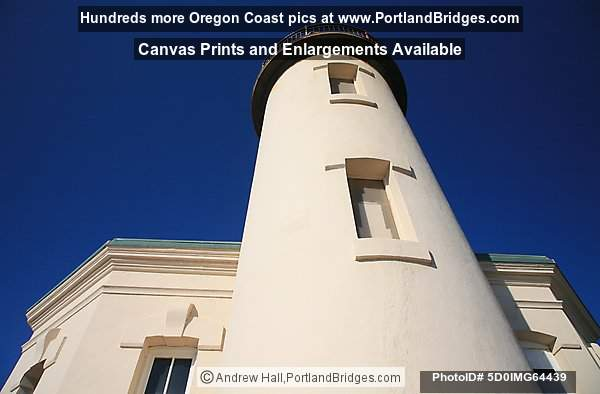 Coquille River Lighthouse, Looking Up