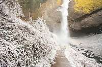 Oregon Multnomah Falls Latourell Falls, Winter Ice