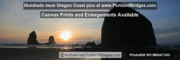 Cannon Beach, Haystack Rock, Oregon, Sunset