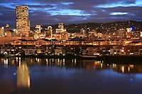 Portland Dusk Photos <i>(91 images) - shot on 02/02/2006</i>