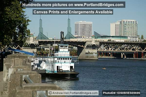 Maritime Museum on the Willamette River (Portland, Oregon)