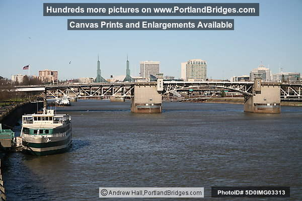 Portland Spirit, Morrison Bridge, Willamette River, Daytime