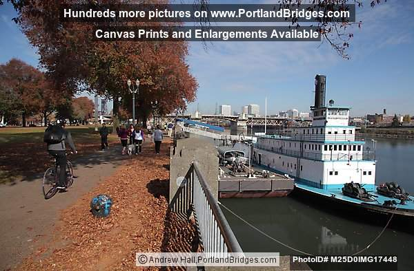 Oregon Maritime Museum, Fall Leaves, Tom McCall Waterfront Park (Portland, Oregon)