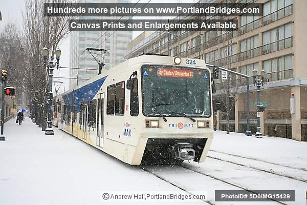 Portland Snow, Trains and Streetcars