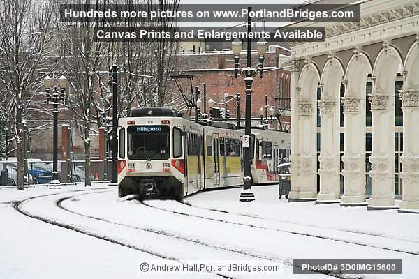 MAX Train, Snow (Portland, Oregon)