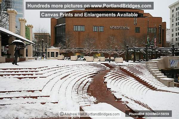 Pioneer Courthouse Square, Snow, Portland