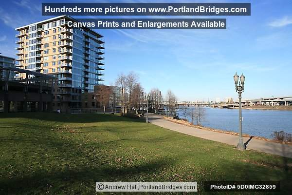 The Strand, Waterfront Park, Riverplace (Portland, Oregon)