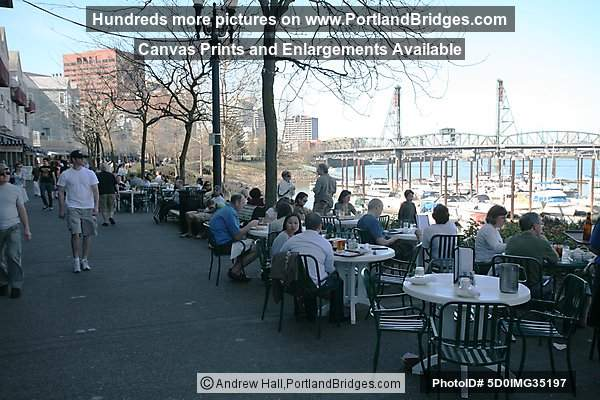 Riverplace Outdoor Tables (Portland, Oregon)