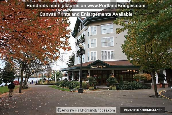Riverplace Hotel, Tom McCall Waterfront Park (Portland, Oregon)