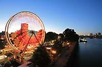 Rose Festival Ferris Wheel, Willamette River