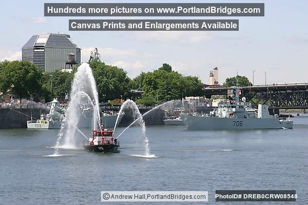 Fireboat, Willamette River, Fleet Week, Rose Festival 2005 (Portland, Oregon)