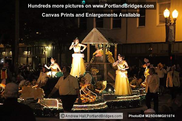 Starlight Parade 2012: Daffodil Festival Float (Portland, Oregon)