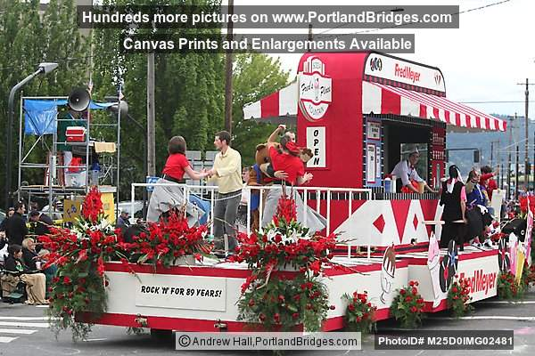 Fred Meyer Float  (Portland, Oregon)