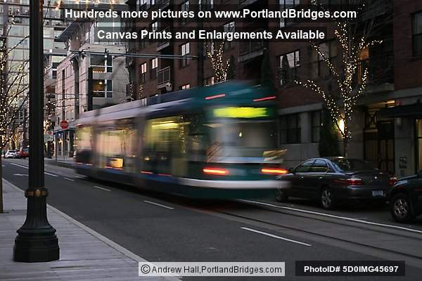 Portland Streetcar, Pearl District, streaking by