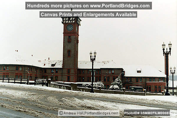 Union Station, Portland Snow